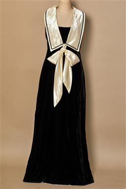Sale 9093F - Lot 81 - A Melissa Lane Black Velvet Maxi with White Silk Long Collar and Bow Fit Size 6 Excellent Vintage condition