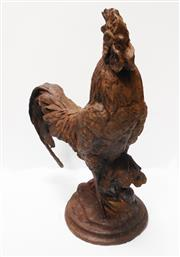 Sale 8256A - Lot 44 - A vintage French cast iron garden statue of a rooster. Old surface rust - size: 41 x 32 x 18 cm
