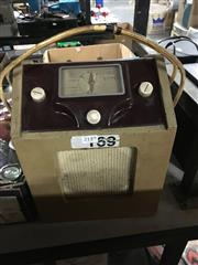 Sale 8759 - Lot 2149 - Antique Battery Radio