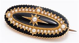 Sale 9180E - Lot 16 - An elongated oval gold and onyx mourning locket brooch with seed pearls, Length 4.5cm, marked to back, total weight 13g
