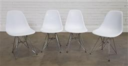 Sale 9210 - Lot 1007 - Set of 4 plastic moulded dining chairs (h82cm)