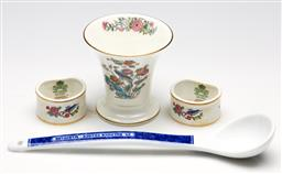 Sale 9254 - Lot 2265 - A collection of china ware incl. Wedgwood bud vase (H:9cm), a pair of Aysnley napkin rings and a St Balfour France spoon