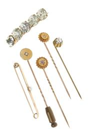 Sale 8574 - Lot 312 - A GROUP OF GOLD PINS AND COSTUME JEWELLERY; 3 x 15ct stick pins set with old cut diamonds and red paste, a 9ct pearl set brooch and...