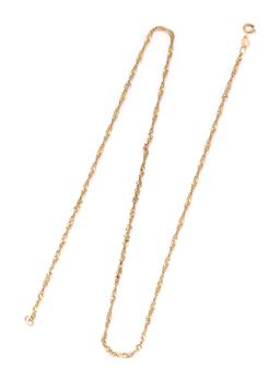 Sale 9213 - Lot 316 - A 9CT GOLD CHAIN; twisted curb links to a bolt ring clasp, length 50cm, wt. 4.11g.