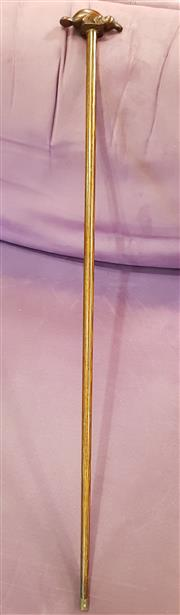 Sale 8792 - Lot 1053A - A vintage timber cane , the handle curved in to the form of a platypus, length 94cm