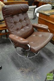 Sale 8532 - Lot 1283 - Brown Leather Vintage Swivel Chair