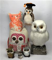 Sale 8725A - Lot 48 - Small group of owl models with feathers, a cushion, a doorstop and a beanie toy..