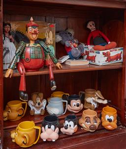 Sale 9103H - Lot 40 - A shelf lot of vintage toys including Pinocchio, Peter Rabbit, Blinky Bill and Olive Oyl together with another shelf of assorted Dis...