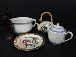 Sale 9254 - Lot 2204 - Small collection of sundries inc teapots, timber figure and chamber pot
