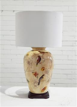 Sale 9126 - Lot 1280 - Ceramic table lamp with finches (h:68cm)