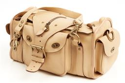 Sale 9091F - Lot 201 - A MULBERRY HEAVY LEATHER BAG; detatchable twin handle straps can convert to shoulder strap, three exterior pockets, one interior zip...