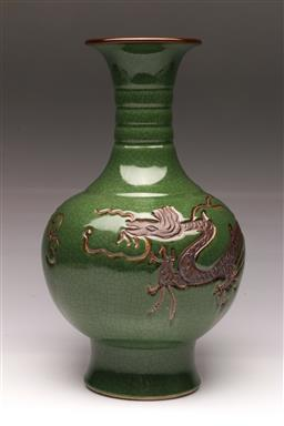 Sale 9107 - Lot 75 - A crackle glazed Chinese vase depicting imperial dragon, marked to base (h:37cm)