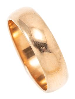 Sale 9164J - Lot 313 - AN ANTIQUE 18CT GOLD RING; 5.20mm wide band, size K, with makers stamp JMD, wt. 4.24g.
