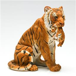 Sale 9209 - Lot 63 - A hollow resin figure of a tigress and cub (H:21cm)