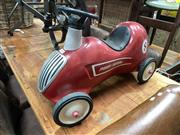 Sale 8896 - Lot 1031 - Childs Radio Flyer Ride on Car