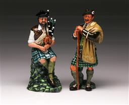 Sale 9110 - Lot 338 - Royal Doulton figures The Piper HN 2907 and The Laird HN 2361 (H:21cm)