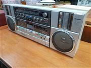 Sale 8872 - Lot 1054 - Sharp GF-99G Ghetto Blaster with Removable Keyboard Music Processor