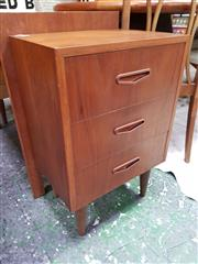 Sale 8661 - Lot 1074 - Pair of Parker Style Bedside Cabinets