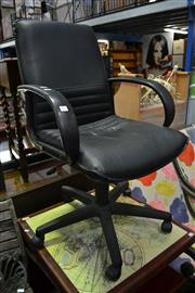 Sale 8035 - Lot 1092 - Office Chair & Timber Magazine Rack
