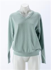 Sale 8910F - Lot 7 - A House of Cashmere pure cashmere v-neck sweater in mint green, size M