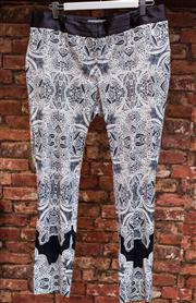 Sale 8474A - Lot 96 - A funky pair of Veronica Maine black & white patterned slim fit viscose trousers - Condition: very good - Size: 12