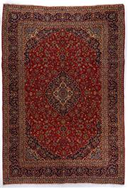 Sale 8800C - Lot 1 - A Persian Kashan From Isfahan Region 100% Wool Pile On Cotton Foundation, 298 x 430cm