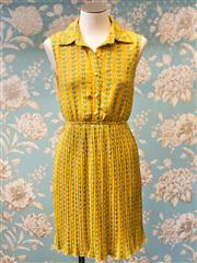 Sale 8474A - Lot 100 - A retro style Neo yellow blue birds 50s style accordian pleat dress featuring faux pearl button up bodice- Condition: Excellent - S...