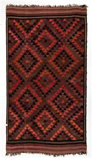 Sale 8760C - Lot 2 - A Persian Hand-Woven Kilim From Shiraz 100% Wool And Natural Dyes, 500 x 300cm