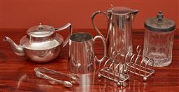 Sale 9108H - Lot 77 - A quantity of silver plated wares to include tea wares, toast racks, tankard etc.