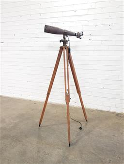 Sale 9151 - Lot 1172 - Telescope on tripod base converted to lamp (h:171cm)