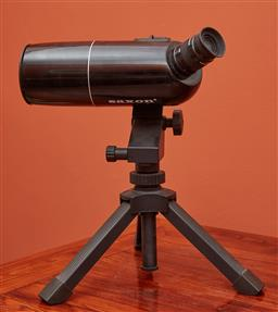 Sale 9108H - Lot 81 - A Saxon telescope fitted with 30-90x65mm lense and tripod.