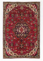 Sale 8780C - Lot 253 - A Persian Kashan From Isfahan Region 100% Wool Pile On Cotton Foundation, 235 x 153cm