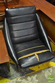 Sale 8528 - Lot 1076 - Vintage Leather Upholstered Lounge Chair