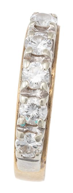 Sale 9124 - Lot 411 - AN 18CT GOLD FIVE DIAMOND RING; set across the top in white gold with 5 round brilliant cut diamonds totalling approx. 0.45ct to 3.5...