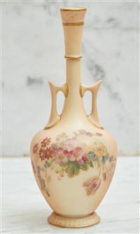 Sale 9090H - Lot 60 - A hand painted Royal Worcester twin handled small vase. Height 17cm