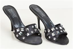 Sale 9120K - Lot 69 - A pair of Sergio Zelcer Spanish leather kitten heels; in black, size 6, in box