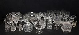 Sale 9254 - Lot 2425 - A collection of crystal and glassware