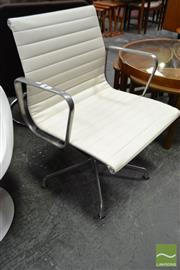 Sale 8550 - Lot 1098 - Herman Miller Eames Group Chair EA 330