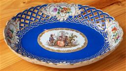 Sale 9120H - Lot 165 - A Meissen sweet meat dish with reticulated border, with gilt cartouche portraying a handpainted scene of courtesans in garden settin...