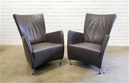 Sale 9134 - Lot 1538 - Pair of contemporary leather armchairs (h:89 w:68 d:80cm)