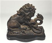 Sale 8706A - Lot 63 - An antique doorstop depicting lion and serpent, marked on back Clark & co' 386, made from cast iron, H 16 x W 19cm