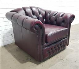 Sale 9151 - Lot 1054 - Chesterfield style tub chair in ox blood leather (h:85 x w:102 x d:91cm)