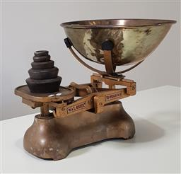 Sale 9215 - Lot 1048 - Set of W&T Avery Cast Iron Shop Scales, with gold painted finish, large steel bowl & graduated set of iron weights (h:38cm)