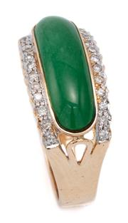 Sale 9083 - Lot 471 - AN 18CT GOLD GREEN STONE DIAMOND RING, centring a 17.3 x 6.31mm cabochon dyed green agate flanked by 2 rows of round brilliant cut d...