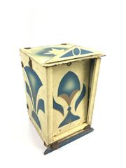 Sale 8539M - Lot 229 - Collapsible Conjurers Box, nicely decorated. 31cm H