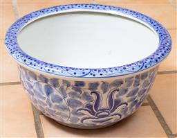 Sale 9120H - Lot 189 - A blue and white ceramic jardiniere (Thailand), Diameter 41cm, Height 21cm