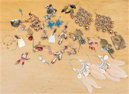 Sale 9165H - Lot 119 - A quantity of costume earrings including frog examples