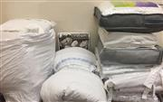 Sale 8310A - Lot 420 - A large quantity of infant bedding including pillows, mattress protector, toddler quilts and cot surround