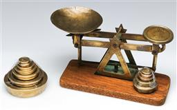 Sale 9148 - Lot 58 - Small set of scales W: 18cm, together with a small set of weights