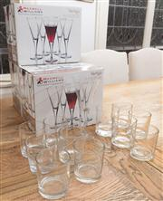 Sale 8575H - Lot 46 - 18 Maxwell & Williams wineglasses (as new) plus tumblers